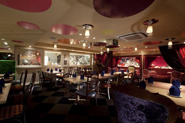 Alice-in-wonderland-restaurant-tokyo-4