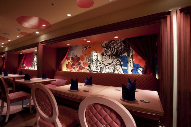 Alice-in-wonderland-restaurant-tokyo-5