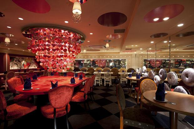 Alice-in-wonderland-restaurant-tokyo-9