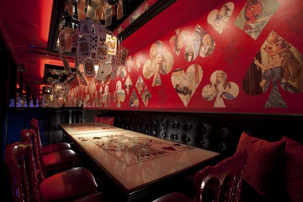 Alice-in-wonderland-restaurant-tokyo-6